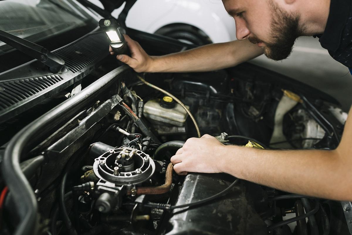 Revisão de carro: saiba como verificar os fluidos do carro